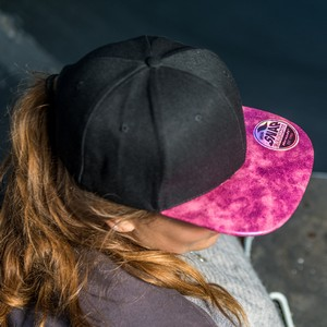 RC087X_pink_black_lifestyle.jpglifestyle pink