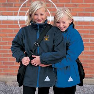 R160JY_schoolwear_2006.jpgRear hood