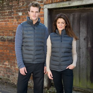 R193M&F_Casual_couple_2013.jpgLifestyle
